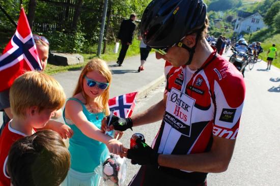 KJØRTE STERK: Bystrøm fikk en god start på Tour des Fjords med offensiv kjøring i siste stigning før Ulvik (procycling.no)