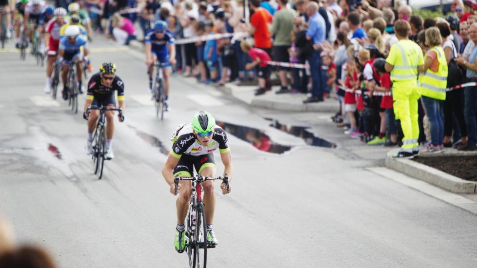 <b>TRENGER PENGER:</b> Rytterne i Motiv 3 Pro-Cycling går en usikker framtid i møte om de ikke lykkes på sponsormarkedet. Det er foreløpig ikke tatt stilling til hva som skjer med høstens satsing for laget i forkant av NM-uka i Eidsvoll. FOTO: Krisotffer Øverli Andersen/WWW.PROCYCLING.NO