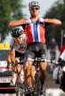 2010: Hushovd viser at han har hår på brystet når han vinner brosteinsetappen til Arenberg i Tour de France. Foto: Tim de Waele (©TDWSport.com)