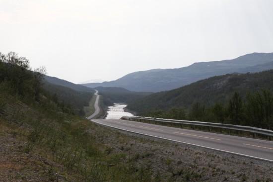 MOT ALTA: Med retning Alta skal rytterne først sykle over Sennalandet. Foto: Kjetil R. Anda / procycling.no