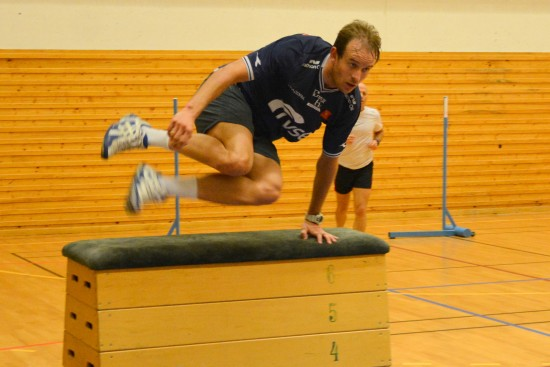 GIR ALT: Om det er innebandy, hinderløype eller langkjøring, gir Alexander Kristoff alt. FOTO: Jarle Fredagsvik, procycling.no