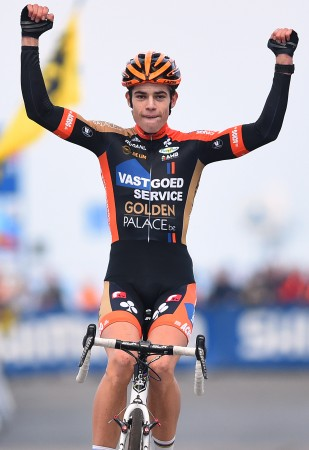 KALD FISK: Wout Van Aert hadde mest krefter igjen da det ble spurt om seieren.