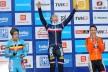 Pauline Ferrand Prevot tar gull i kvinneklassen, foran Sanne Cant (Bel) og Marianne Vos (Ned) (©TDWSport.com)