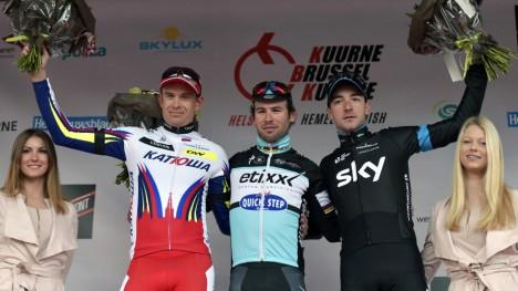 <b>VANLIG SYN:</b> Etixx-Quick-Steps Mark Cavendish (i midten) slår nesten alltid Alexander Kristoff i spurt. Her etter Kuurne-Brussel-Kuurne i mars. Elia Viviani ble nummer tre. Foto: REUTERS / Eric Vidal / NTB Scanpix