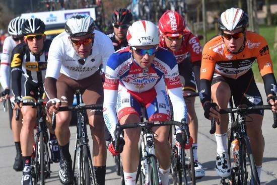 I UTBRUDD: Dylan Groenewegen satt med i det store bruddet i årets Flandern rundt. Foto: Tim de Waele (©TDWSport.com)