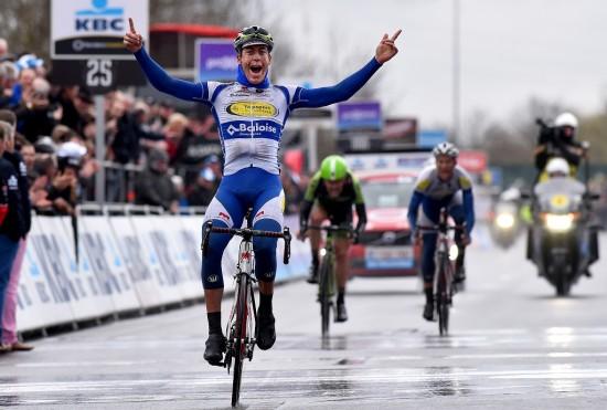 NESTEN 1: Dylan Van Baarle må se Jelle Wallays stike av med triumfen i Dwars door Vlaanderen. Foto: Tim de Waele (©TDWSport.com)