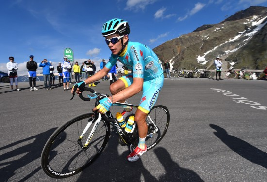 UNG OG FREMMADSTORMENDE: Colombianske Miguel Ángel López viste glimtvis hva som bor i ham i sin første proffsesong med Astana. Som for eksempel her, på femte etappe av Tour de Suisse til Rettenbachgletscher. Foto: Tim de Waele (©TDWSport.com)