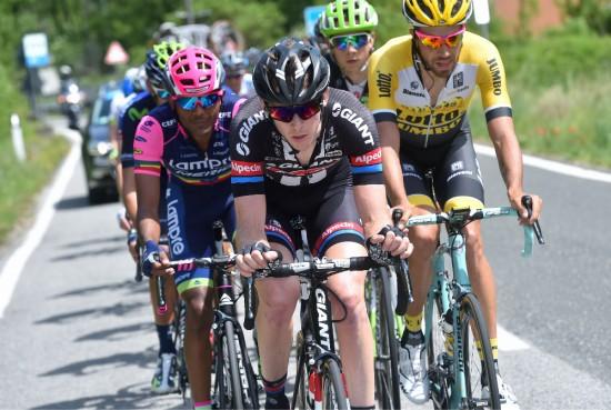 STYGT SKADET: Chad Haga, her i aksjon under fjorårets Giro d'Italia, var den ulykken gikk verst utover. Foto: Tim de Waele (©TDWSport.com)