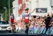 DRAMA I NARVIK: Silvan Dillier vant etappen, lagkompis Ben Hermans mistet sammenlagtseieren - og Rein Taaramäe overtok den. Dette skjedde på rittets siste dag i 2015. FOTO: AFP PHOTO/JONATHAN NACKSTRAND