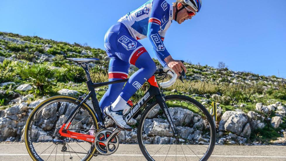 BELGIA-KLAR: Det kribler i beina til Daniel Hoelgaard denne uken. FDJ-rytteren ser frem til sin første belgiske klassikeråpning på proffnivå. (FOTO: FDJ/Nicolas Götz)