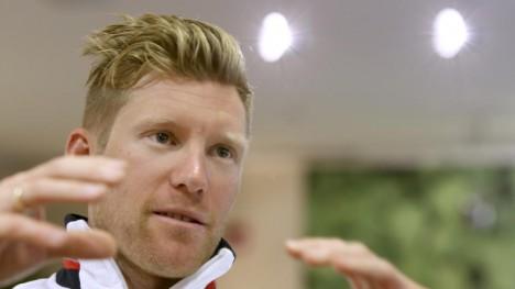 b>VELTET: Lars Petter Nordhaug sto av den nest siste etappen i Tirreno-Adriatico etter velt.