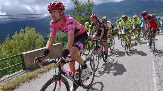 TOK TID: Tom Dumoulin tok tid på flere konkurrenter på den første bakkefinishen i Giro d'Italia. FOTO: Tim de Waele (TDWSport.com)