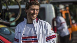 SMILTE FØR START: Men etter målgang måtte Holst Enger konstatere at etappeseieren røk. Den norske IAM-rytteren imponerte stor på fjelletappen i Tour of Norway (foto: Scanpix/Teigen)