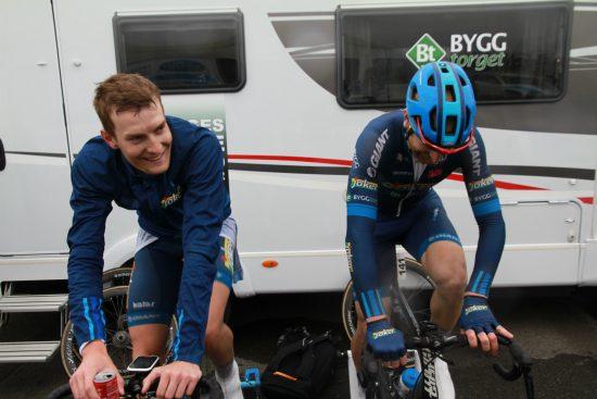 TOK SJANSEN: Markus Hoelgaard var all in på den avsluttende runden av Tour of Norway. Men både han og lagkompis Reidar Borgersen ble til slutt hentet inn av hovedfeltet. FOTO: Jarle Fredagsvik, procycling.no