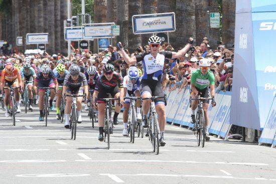 SEIER: Kirsten Wild spurtet inn til seier på den siste etappen i California. Foto: Team Hitec Products