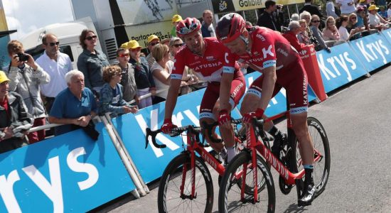 <b>KOM SEG TIL MÅL:</b> Michael Mørkøv sliter seg med videre i Tour de France. Her fra den andre etappen. Foto: KENZO TRIBOUILLARD (Scanpix/Afp)