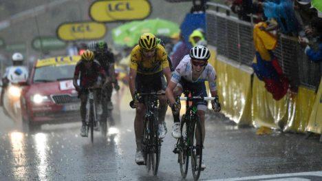 STERK: Adam Yates klatret meget godt på den siste etappen i Pyreneene. Foto: JEFF PACHOUD (Scanpix/Afp)