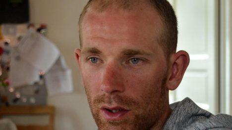 KLARER SEG: Michael Mørkøv gikk hardt ned i avslutningen på åpningsetappen i Tour de France, men han melder selv at han er ok. Foto: Simon Zetlitz Nessler, procycling.no