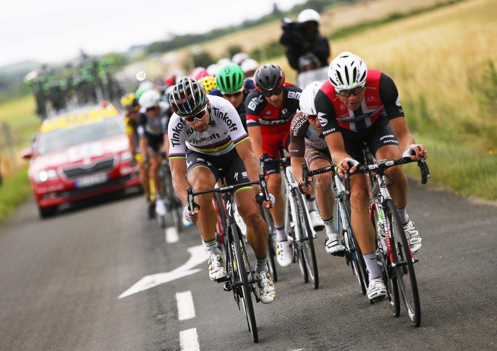 STJERNEBRUDD: Boasson Hagen, Sagan, Matthews, Van Avermaet blant andre gjorde det avgjørende bruddet på etappe 10 til en eksklusiv affære. FOTO: EPA/YOAN VALAT