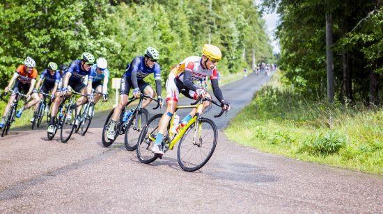 GOD SESONG: Elias Spikseth har hatt en svært god sesong hittil, med mye sterk kjøring, blant annet i U6 i Sverige, hvor han her er avbildet. Foto: Pål Westgaard.