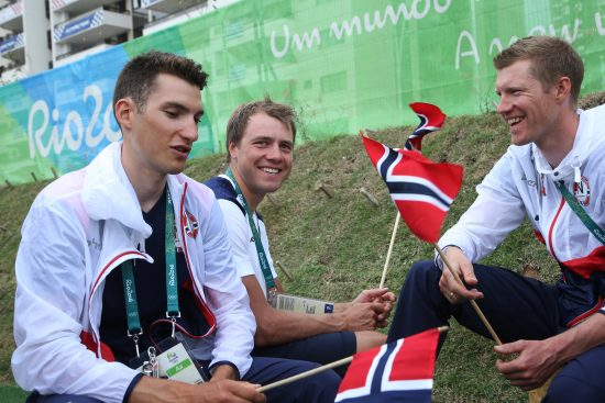 Bystrøm , Boasson Hagen og Nordhaug i deltagerlandsbyen Foto: Erik Johansen / NTB scanpix