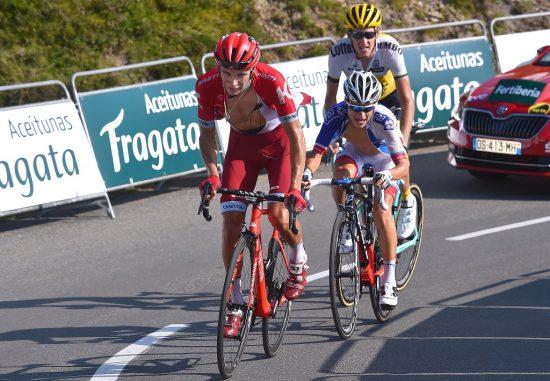 INGEN VINDSKJERM: Men Kenny Elissonde (midten) er veldig god til å klatre på sitt beste. Foto: Tim de Waele (©TDWSport.com)