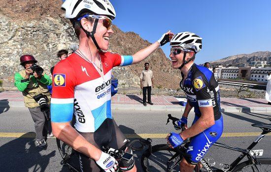 LAURENS OG BOB: Gleder seg over Jungels' seier i Oman. Foto: Tim de Waele (©TDWSport.com)