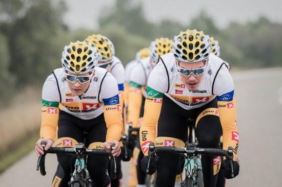 STOR RYTTER: Erik Resell (til høyre) er en rytter med mye kraft, og beskriver seg selv som en rytter med god kapasitet, og liker flate ritt best. Foto: Kristof Ramon.