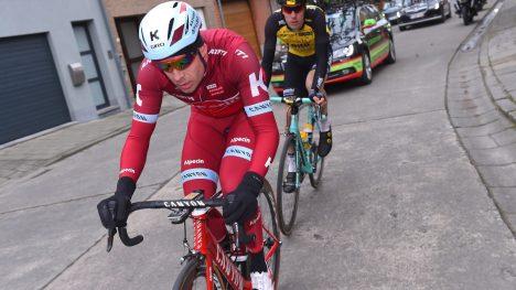 VELTET: Alexander Kristoff var uheldig under Omloop Het Nieuwsblad. Han veltet på Donderij drøyt 60 kilometer før mål. FOTO: Tim de Waele (TDWSport.com)