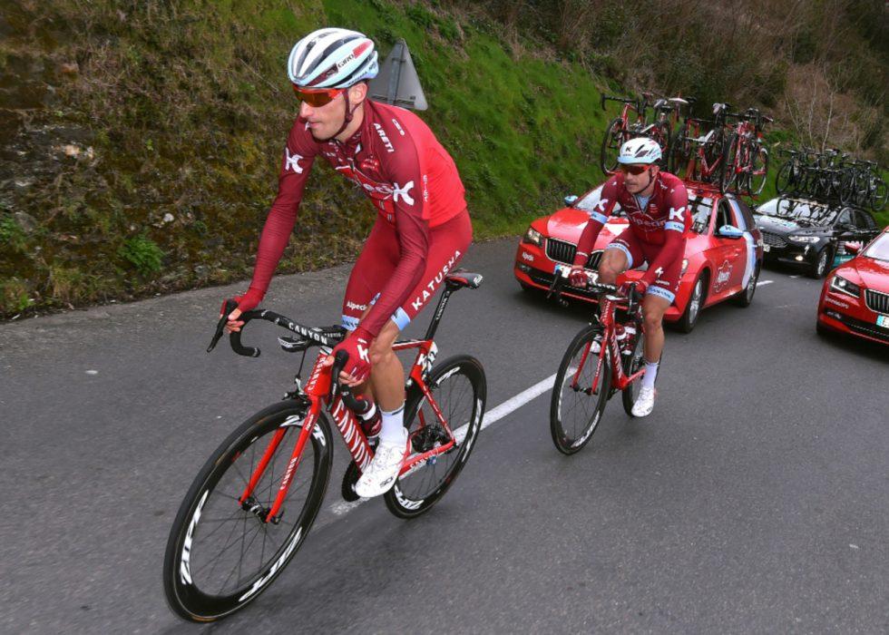 SKADET: Sven Erik Bystrøm (i front) har ikke rørt sykkelen siden Gent-Wevelgem. Treningspartner Alexander Kristoff (bak) må ennå vente noen uker på å få trene med lagkameraten. FOTO: Tim de Waele (TDWSport.com)