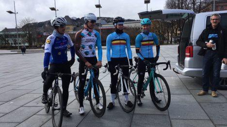 PÅ BESØK: Representanter for Belgias sykkellandslag var i Bergen for å studere VM-løypen tirsdag (FOTO: procycling.no)