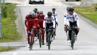 STILSTAND I FORHANDLINGENE: Alexander Kristoff vil høre hva andre lag kan tilby ham under Tour de France kommende måned. Her sjekker han for første gang ut NM-løypa i Stjørdal. FOTO: Jarle Fredagsvik