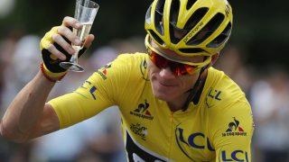 KAPTEIN: Richie Porte ledet an lagpresentasjonen for BMC. Foto: AFP PHOTO / Lionel BONAVENTURE