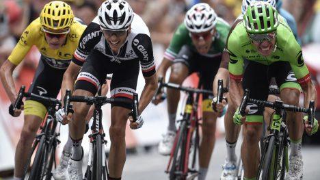 RIGOBERTO URAN: Selv et ødelagt gir kunne ikke stoppe colombianeren på den niende etappen av Tour de France 2017. Foto: NTB Scanpix.
