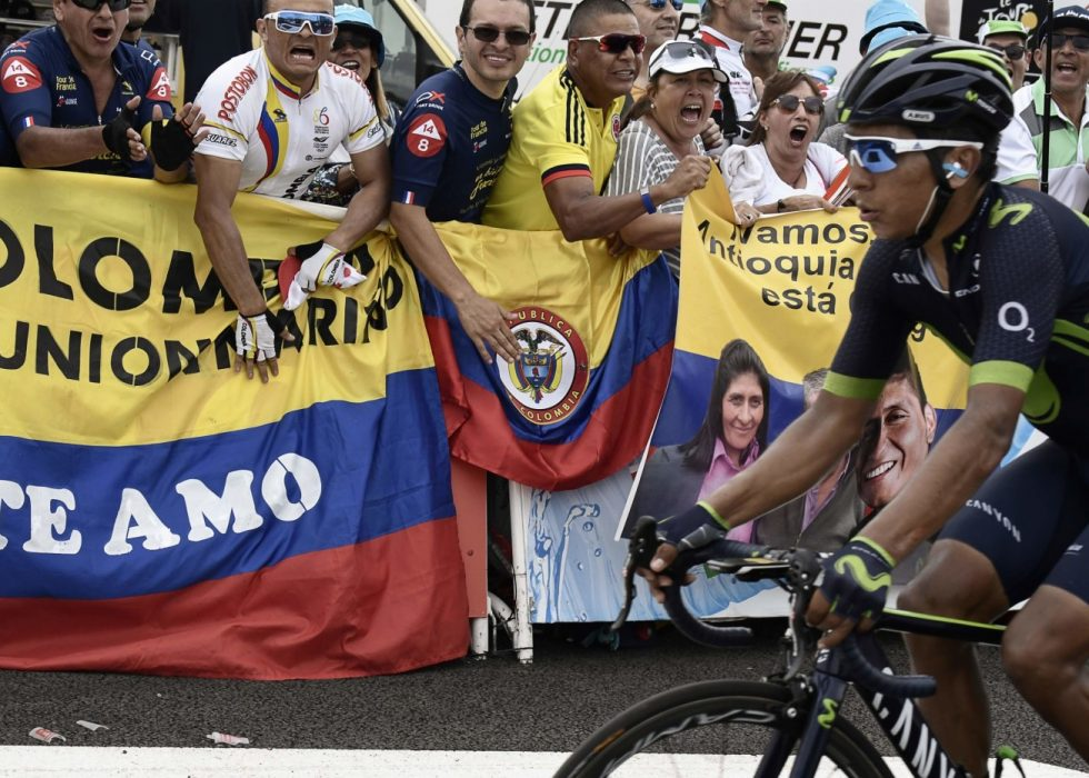 SKUFFET: Colombianske fans kunne ikke juble på vegne av Nairo Quintana etter den 11. etappen i Tour de France. AFP PHOTO / Jeff PACHOUD