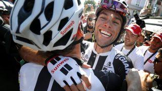 VILL JUBEL I ROMANS: Matthews tok sin andre etappeseier i Tour de France. EPA/GUILLAUME HORCAJUELO
