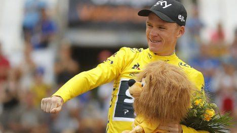 NR4: Søndag sykler Chris Froome inn til Paris med den gule trøyen trygt på skuldrene. EPA/GUILLAUME HORCAJUELO
