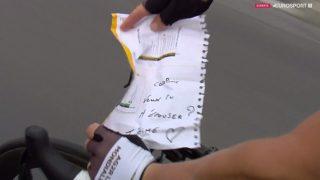 FRIERI: Cyril Gautier fridde til kjæresten på den 21. etappen. Foto/Skjerdump