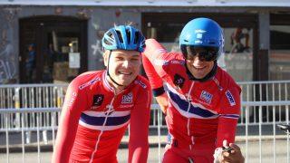 DEN LANGE VEIEN: Tobias Foss (til venstre) er fast bestemt på å bli blant verdens beste klatrere. Målet er podiet i Tour de France. Her er han avbildet sammen med Iver Knotten som han sykler U23-tempo sammen med mandag. FOTO: Norges Cykleforbund