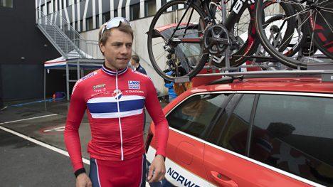 TRENING: En gjennomkjøring av tempoløypa stod på programmet til Edvald Boasson Hagen og Andreas Vangstad tirsdag formiddag. Her sammen med landslagstrener Stig Kristiansen.