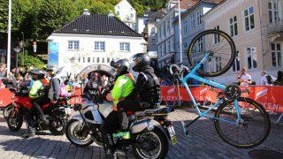 UNIKT: Herrenes VM-tempo onsdag blir en spesiell affære med mange sykkelbytter. FOTO: Tim de Waele