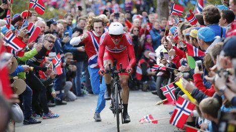 FULL FEST: Boasson Hagen på vei opp Fløyen i Bergen under VM. FOTO: Cornelius Poppe/NTB Scanpix