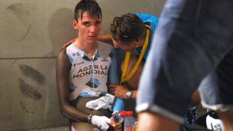 IKKE ALLTID LIKE GØY Å SYKLE: Eller å se på Romain Bardet (bildet) og alle de andre. Men det vil Tour de France-arrangøren gjøre noe med nå. FOTO: Tim De Waele/TDWSPORT.COM