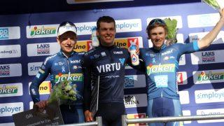 TIL TOPPS: Alexander Kamp sto imot angrepene fra Andreas Vangstad og Carl Fredrik Hagen og tronet på toppen av podiet etter Sundvolden GP. FOTO: Jarle Fredagsvik