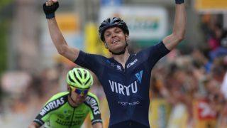 DANSK ETAPPESEIER: Alexander Kamp (Virtu Cycling) stakk av med etappeseieren