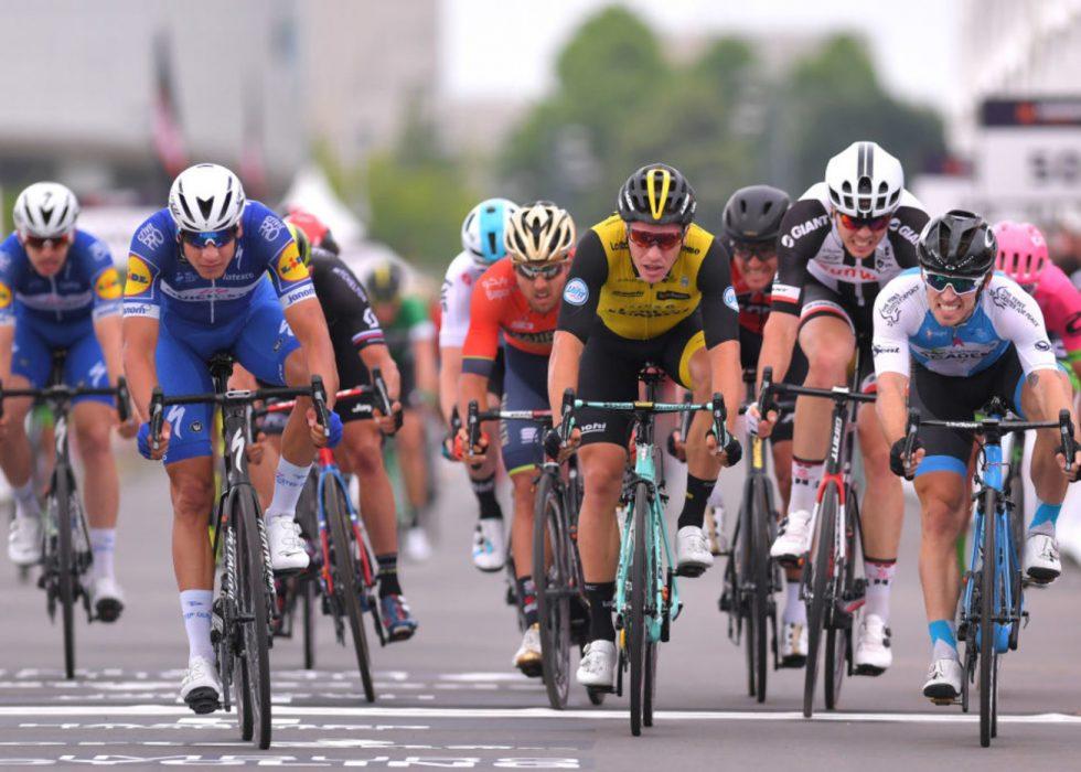 GOD INNSATS: Sondre Holst Enger (til høyre) gjorde et kritisk bidrag for Israel Cycling Academy under Hammer Sprint i Limburg. FOTO: Luc Claessen/Getty Images