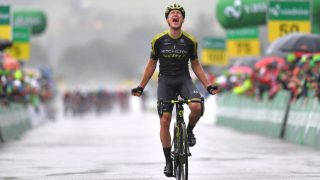 VANT: Etter en lang dag i brudd kunne Chris Juul-Jensen juble for etappeseier i Tour de Suisse. FOTO: Tim de Waele/Getty Images