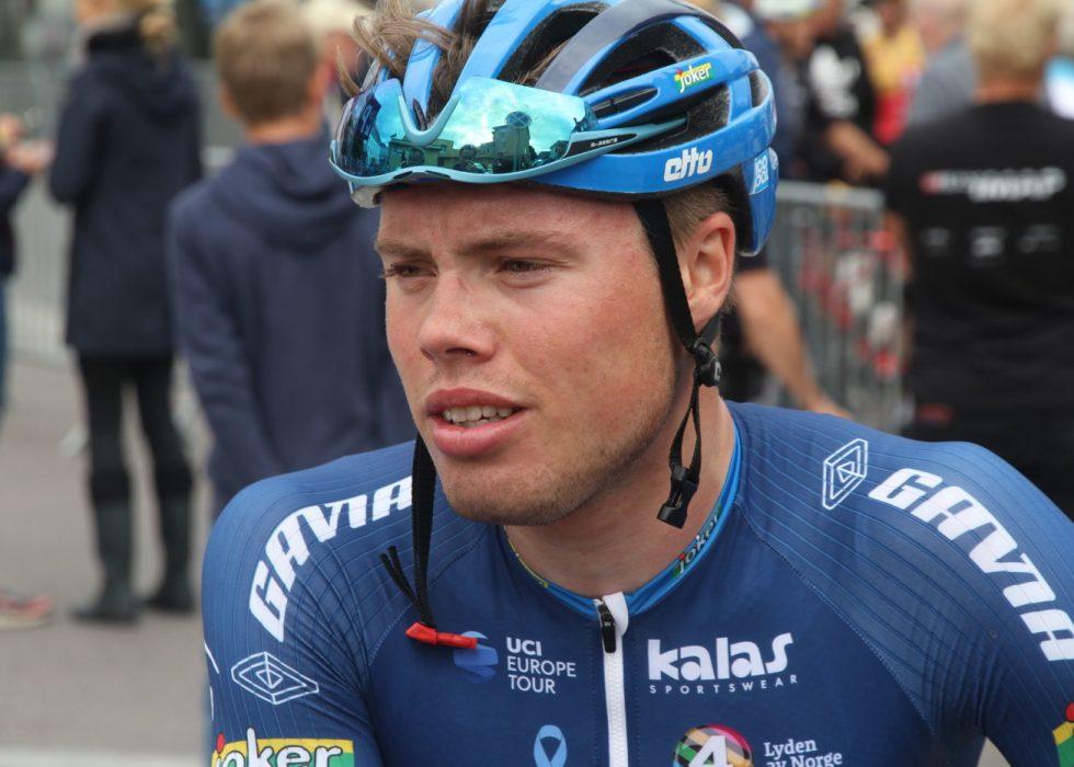 FAN AV TREK: I Tour de France melder TV 2-journalist Magnus Aarre at Rasmus Tiller blir forsøkt solgt inn hos Trek-Segafredo og UAE Team Emirates foran neste sesong. FOTO: Jarle Fredagsvik