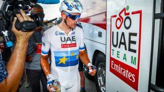 VIL HA MER HJELP: Alexander Kristoff har vært mye alene i hans første sesong som UAE Team Emirates-rytter. Nå vil laget styrke støtten rundt nordmannen. Foto: Heiko Junge / NTB scanpix