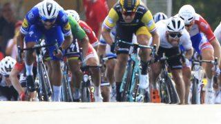 UTE: Fernando Gaviria (til venstre) og Dylan Groenewegen (høyre) er begge ute av årets Tour de France. AP Photo/Peter Dejong)